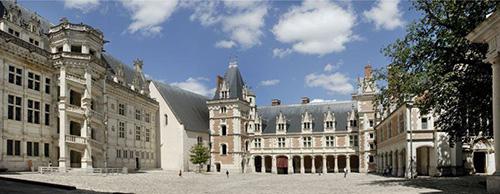 chateauroyalBlois34.jpg