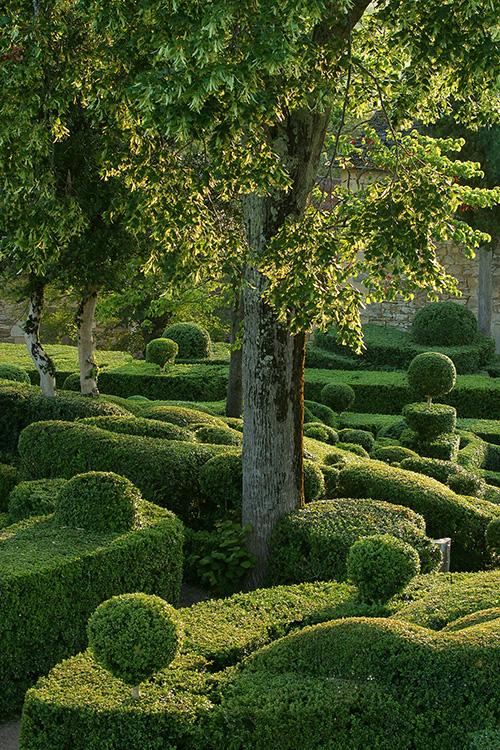 les jardins suspendus de marqueyssac un jardin romantique. Black Bedroom Furniture Sets. Home Design Ideas