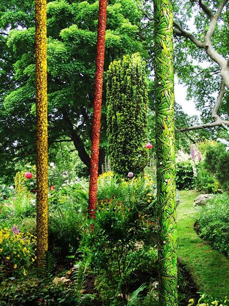 Les herbes folles une invasion design et po tique dans le jardin - Invasion d araignee dans le jardin ...