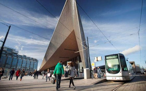 47067_fullimage_560x350-45122_fullimage_a-tram-in-front-of-rotterdam-central-station_560x350_2_656x410.jpg
